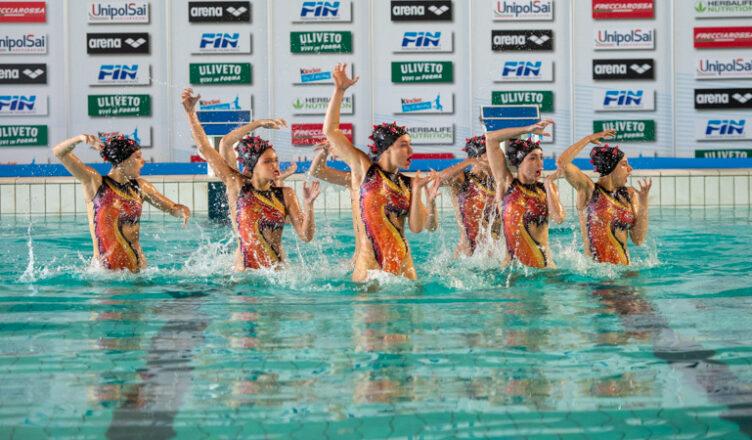 Busto Nuoto vince gli assoluti estivi di nuoto sincronizzato